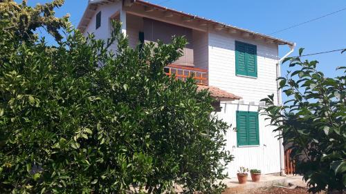 Villaserena avola calabernardo province of syracuse for 101 wendell terrace syracuse ny