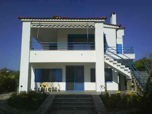 Nestor Surf House