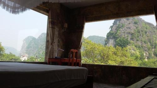 Zimmer mit Kingsize-Bett und Bergblick (King Room with Mountain View)