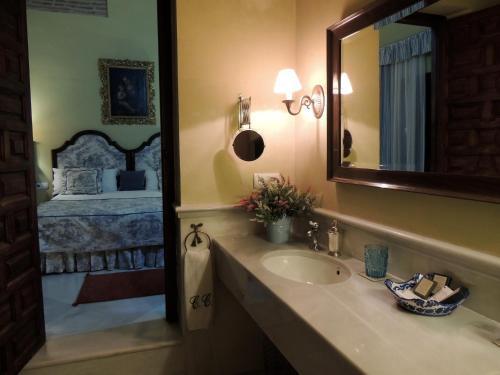 Suite Familiar - Planta alta Palacio del Cobertizo de Santa Ines 2