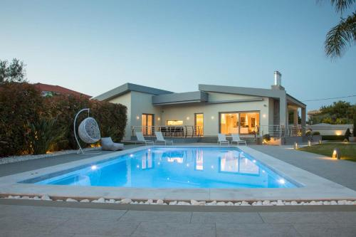 Luxury Villa Diminio