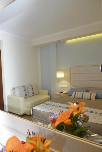 Odysseus Hotel