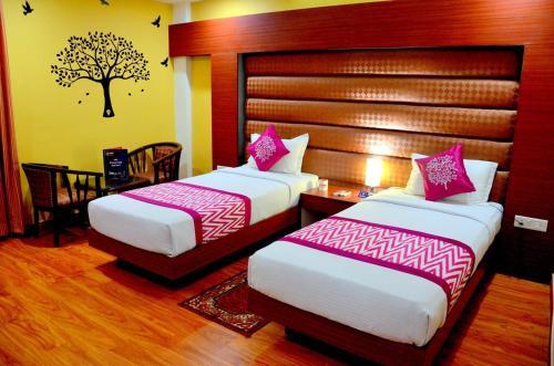 Geetika Galaxy Hotel