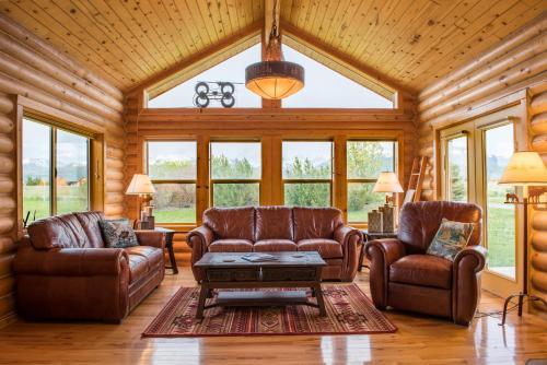 Saddlehorn Cabin