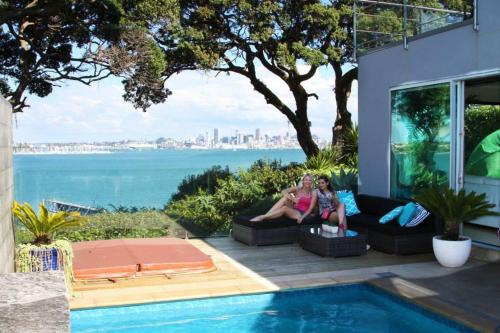 Sea view guest house, Auckland