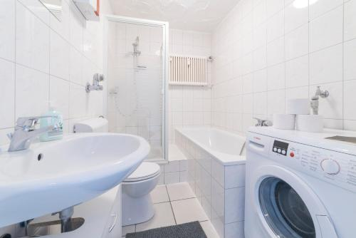 apartments zara bergheim north rhine westphalia. Black Bedroom Furniture Sets. Home Design Ideas