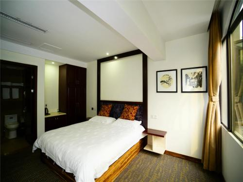 大双人床房 (Large Double Room)