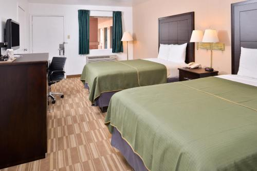 Best PayPal Hotel in ➦ Clute (TX): Quality Inn
