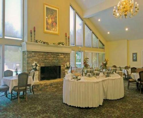 Rime Garden Inn Suites Irondale Roadtrippers