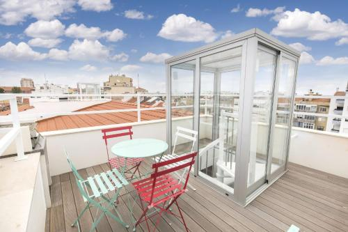 Lovely Stay - 2 Bedroom Rooftop Terrace