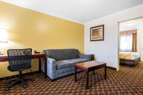 Quality Inn & Suites LAX Airport Inglewood - Los Angeles
