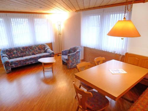 Apartment Wohnung Gelb