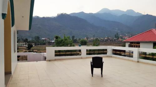 Valley Retreat, Chowari