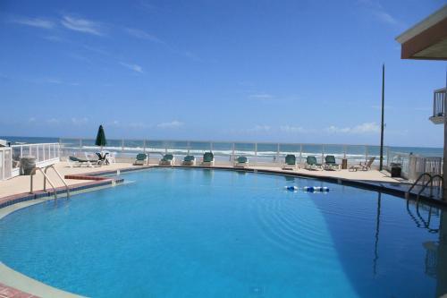 Roomba Inn & Suites Daytona Beach FL, 32118