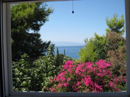 Villa Kostoula with Sea View