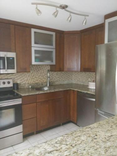 3 Bedroom 2bath Condo