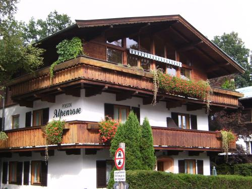 Pension Alpenrose (Bed and Breakfast)