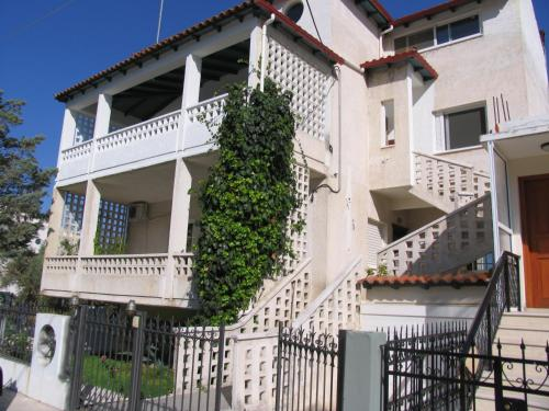 STATHIS VILLA-APARTMENTS