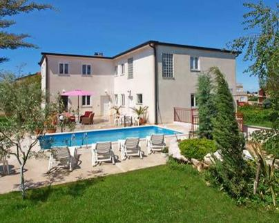 Apartments & Villa Darko