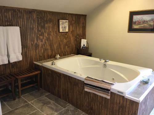 Oak Valley Inn And Suites