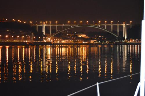 Noite a bordo c/PA em veleiro -rio Douro