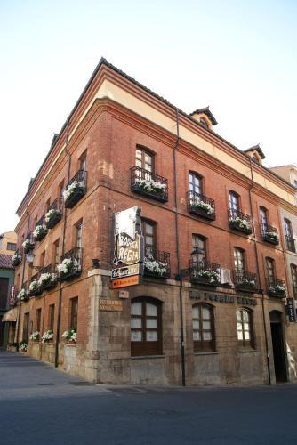 Picture of Hotel La Posada Regia
