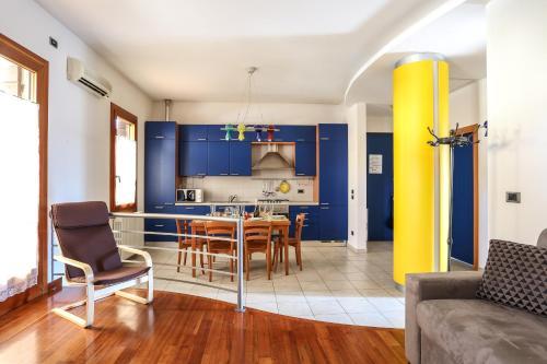 Market 19 Apartment