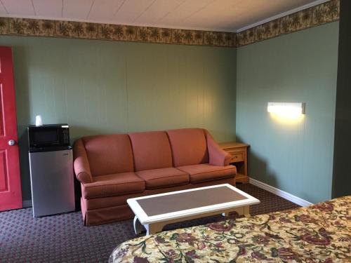 Skyland Motel Cornelia