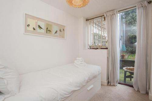 Modern 2 Bed Garden Flat, St Johns Wood
