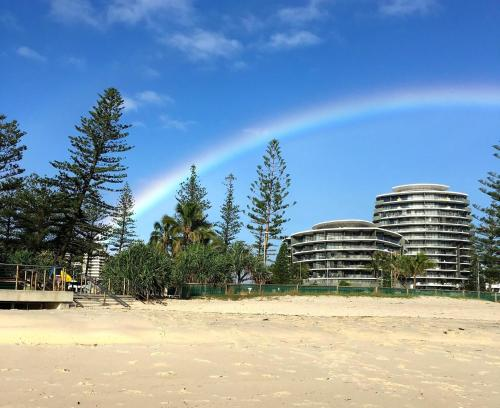 Ambience on burleigh beach gold coast queensland for Ambiance australia