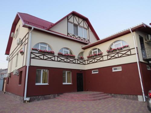 Gostievoi dom v Volokonovkie na Iesienina