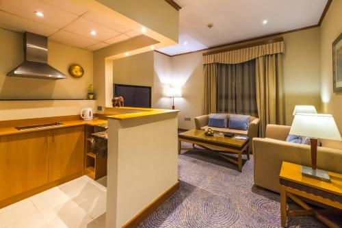 Golden Tulip Al Barsha photo 49