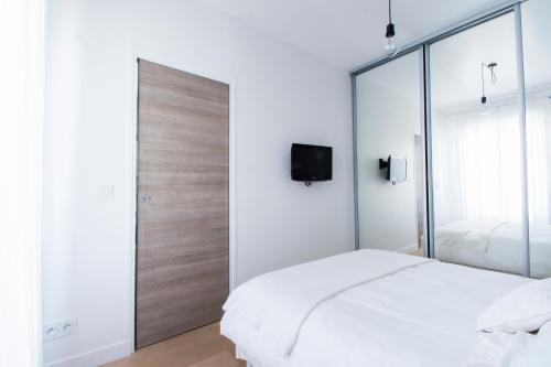 Dreamyflat.com - Elysées Courcelles