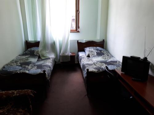 Отель Lalvar