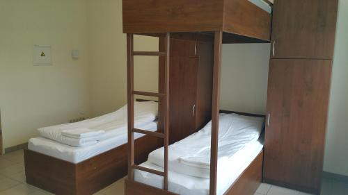 Economy Quintuple Room with Shared Bathroom