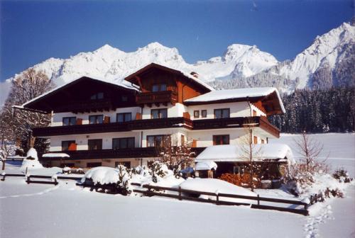 Pension Leit'n Franz - Großes Apartment mit 2 Schlafzimmern und einem Balkon