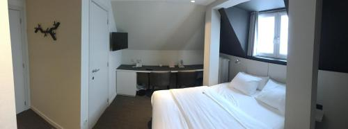 Standard Doppelzimmer mit Dusche (Standard double room with shower)