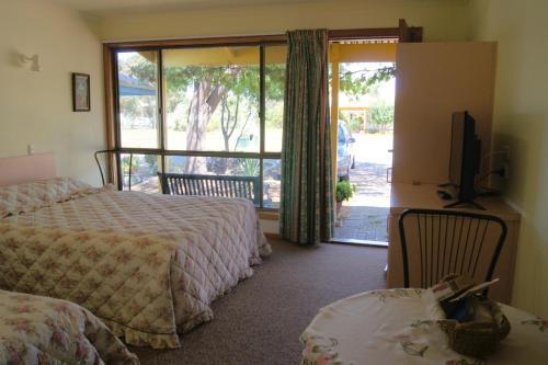 Milang Lakeside Motel