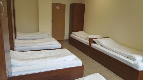Economy Sixtuple Room with Shared Bathroom