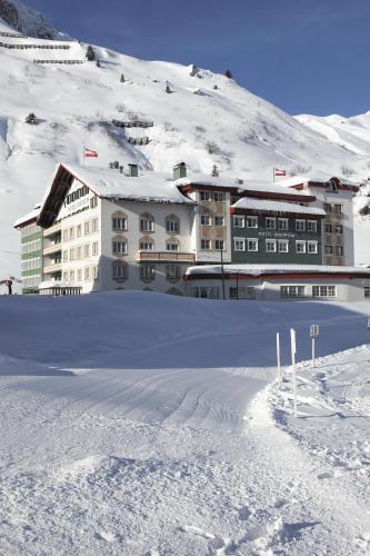 Отель Hotel Edelweiss 4 звезды Австрия