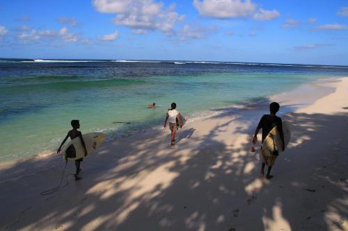 Serene Blue Bowls Surf Inn, Gaafu Dhaalu Atoll