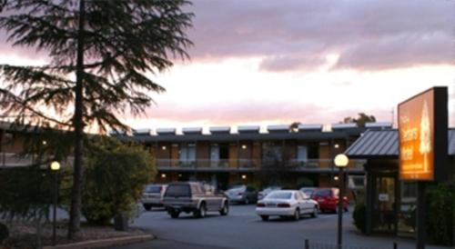 Picture of Red Cedars Motel