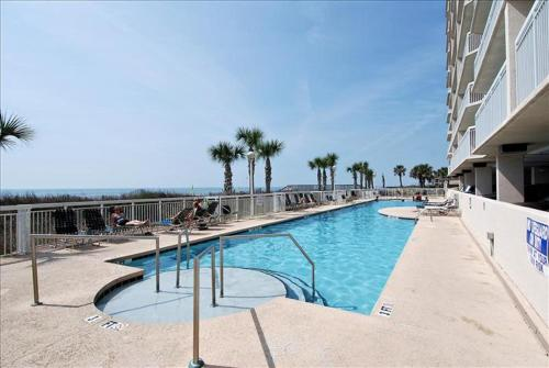 Piscina Crescent Shores 509 Condo