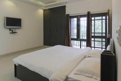 Service Apartment Near Pacific Mall