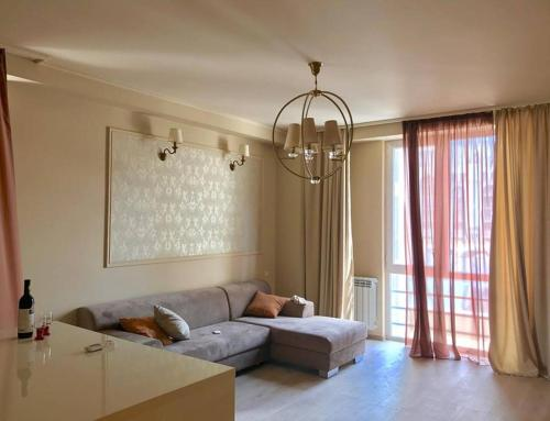 Cozy One Bedroom Apartment in the City Center, Batumi
