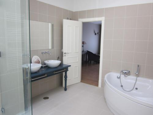 Suite Hotel Villa Monter 2
