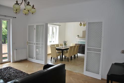 Schönbrunn Park Apartement - Apartment mit 2 Schlafzimmern - Hadikgasse 56/5