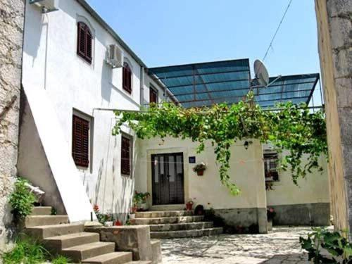 House Antun