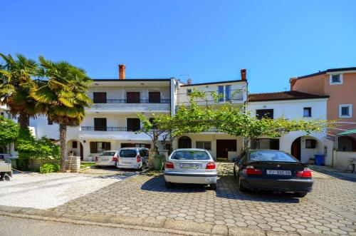 Apartments Romano (70661)
