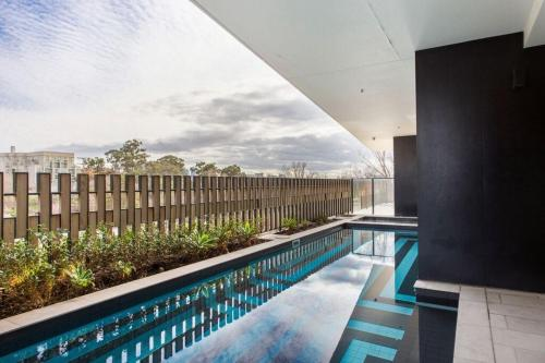 COMPLETE HOST Claremont St South Yarra